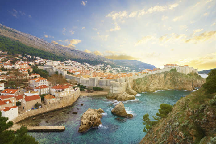 Wide shot of Dubrovnik