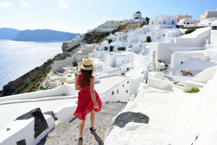 Guide to suncare in Santorini