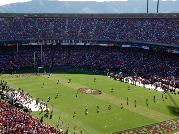 Things you need to do on a weekend in San Francisco - Watch the 49ers play American football