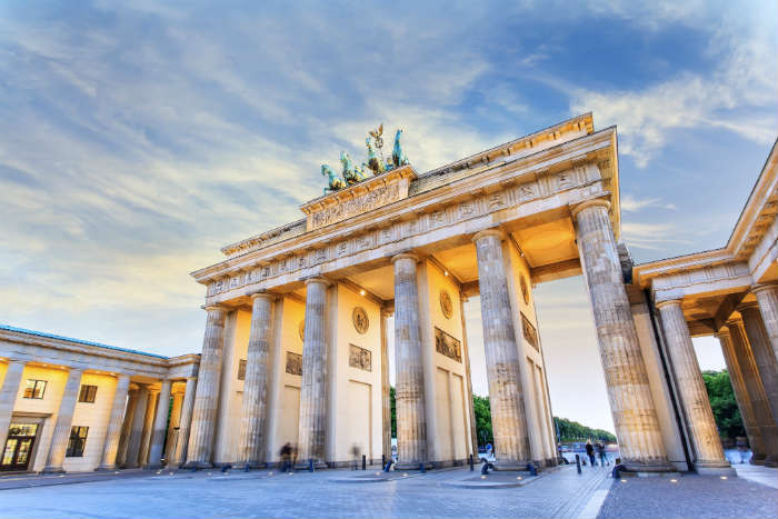 around-the-world-in-80-pictures-brandenburg-gate-berlin-germany
