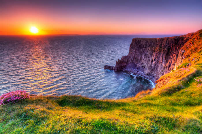 around-the-world-in-80-pictures-cliffs-of-moher-ireland