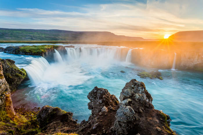 around-the-world-in-80-pictures-godafoss-waterfall-iceland