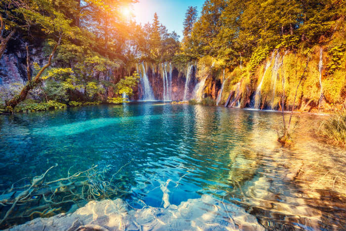 around-the-world-in-80-pictures-plitvice-lakes-croatia