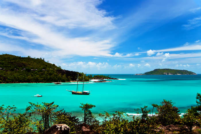 around-the-world-in-80-pictures-port-launay-seychelles