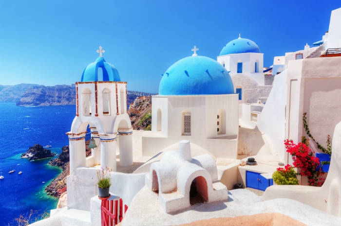 around-the-world-in-80-pictures-santorini-greece