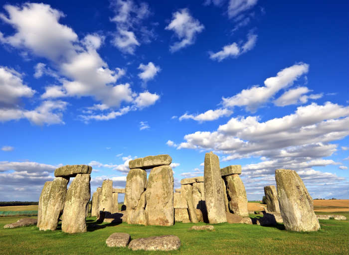 around-the-world-in-80-pictures-stonehenge-london