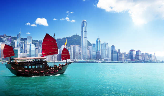 around-the-world-in-80-pictures-victoria-harbour-hong-kong