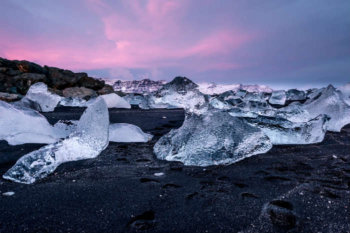 around-the-world-in-80-pictures-vik-beach-iceland