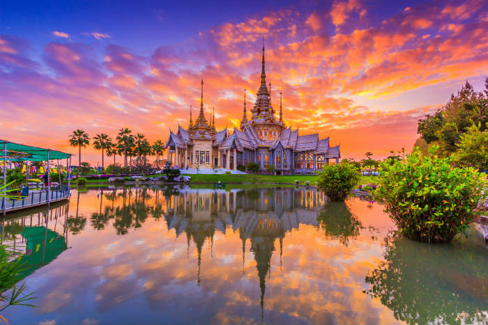 around-the-world-in-80-pictures-wat-thai-thailand