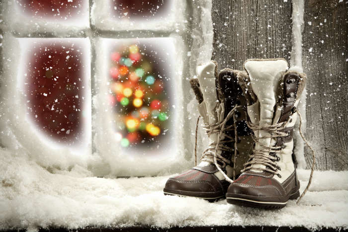 christmas traditions-shoes on windowsill, Brazil