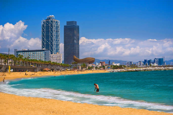 City breaks with beaches-Barcelona