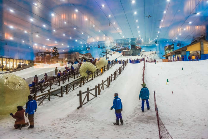 Skiing and snowboarding at Ski Dubai