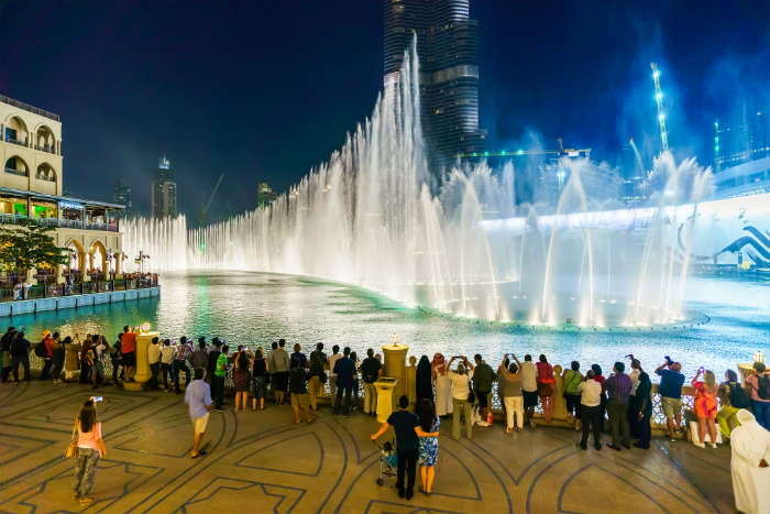 The Dubai Mall water fountain